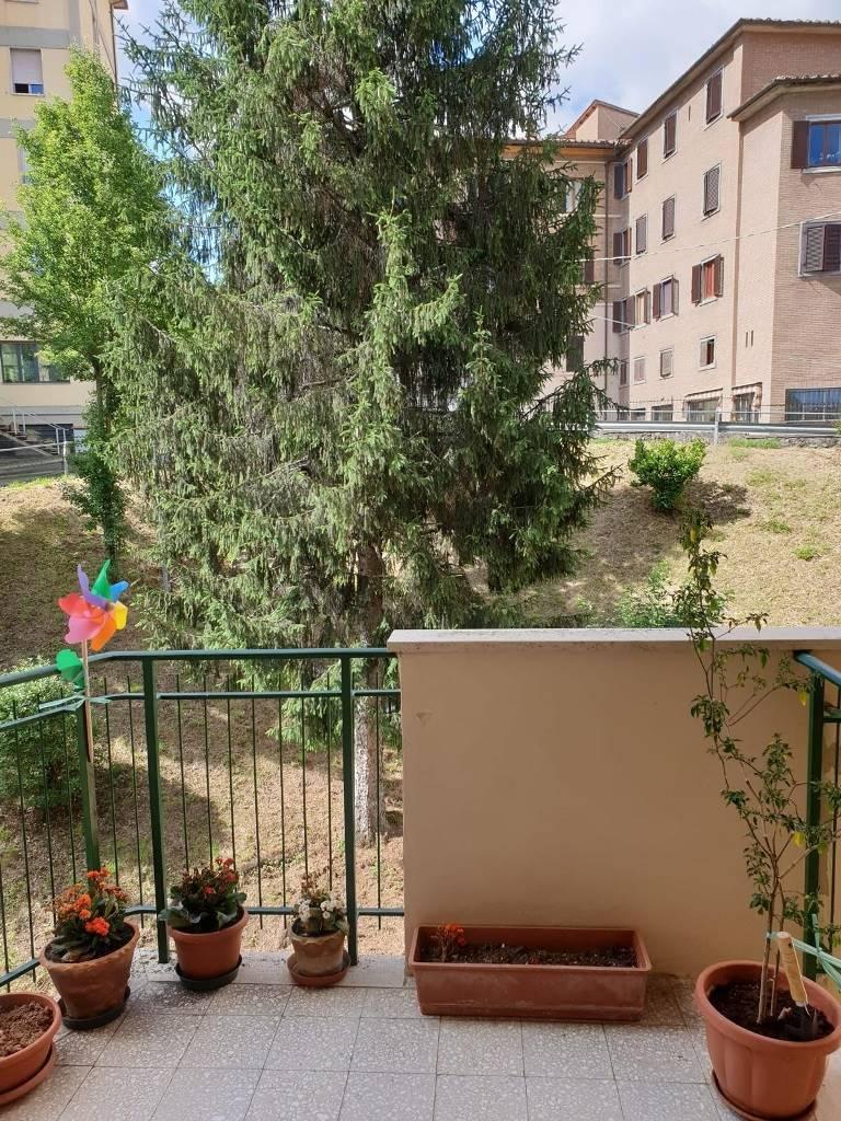 Appartamento in vendita a Siena, 4 locali, zona Località: VIALE CAVOUR, prezzo € 200.000   PortaleAgenzieImmobiliari.it