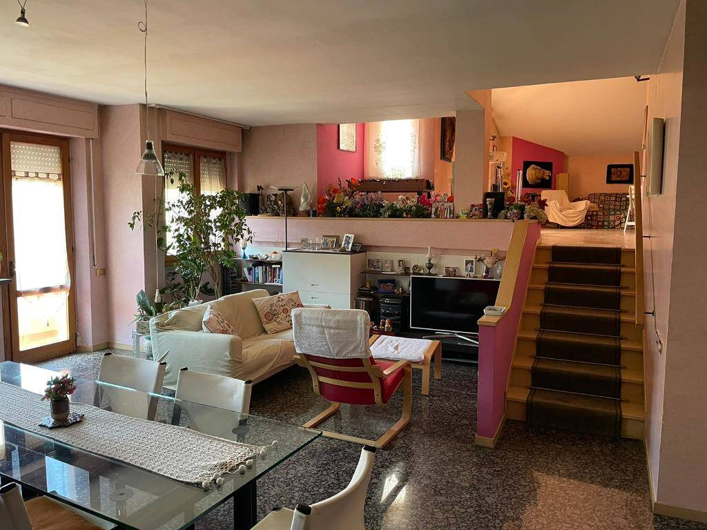 Appartamento in vendita a Monteriggioni, 6 locali, zona Località: LA TOGNAZZA, prezzo € 350.000 | PortaleAgenzieImmobiliari.it