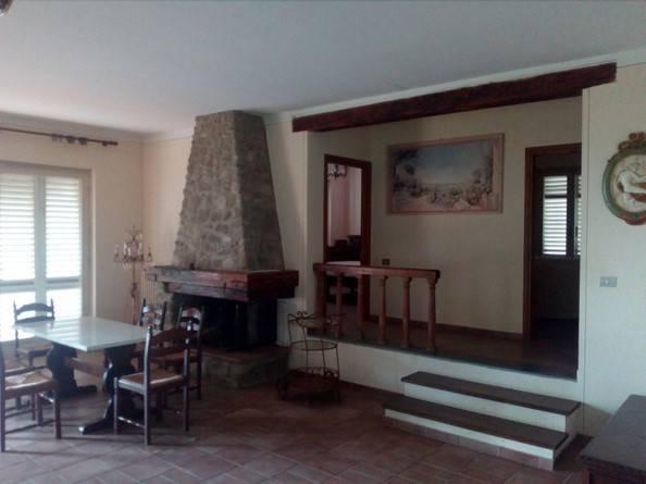 Villa in vendita a Serravalle Pistoiese, 7 locali, zona Località: VILLE, prezzo € 260.000 | CambioCasa.it