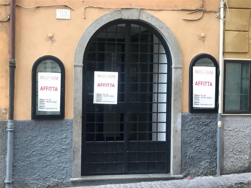 Negozio / Locale in affitto a Viterbo, 3 locali, zona Zona: Centro, prezzo € 1.200   CambioCasa.it