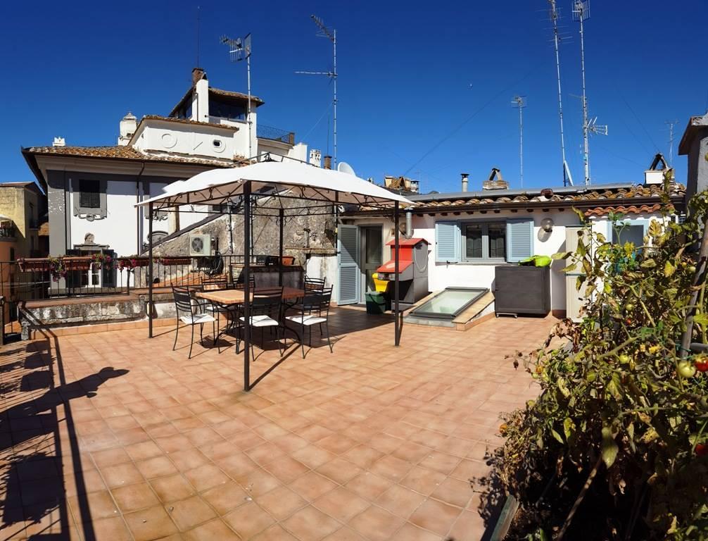 Appartamento in Via Del Pavone 62, Centro, Viterbo