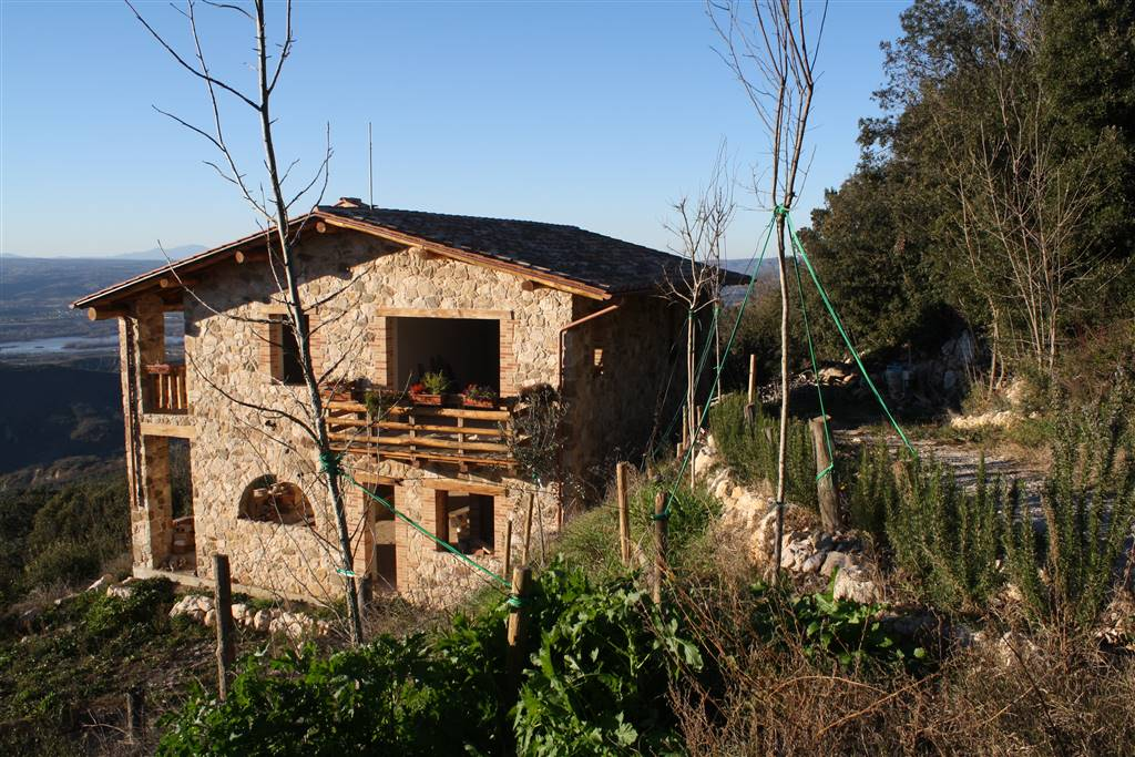Rustico / Casale in vendita a Alviano, 8 locali, prezzo € 390.000   CambioCasa.it