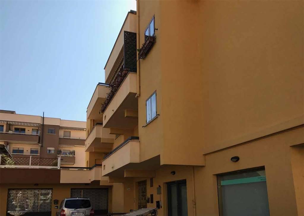 Appartamento in vendita a Viterbo, 6 locali, zona Località: CAPPUCCINI, prezzo € 165.000 | CambioCasa.it