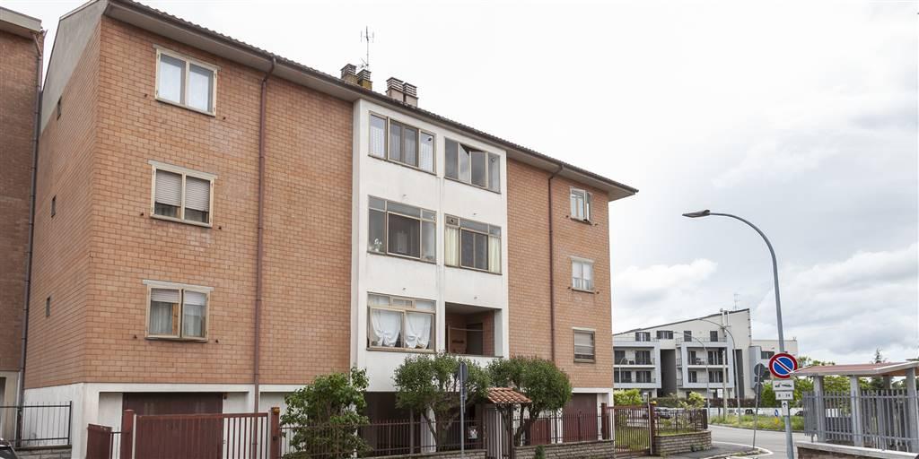 Appartamento in vendita a Viterbo, 6 locali, zona Località: CARMINE, prezzo € 128.000 | CambioCasa.it