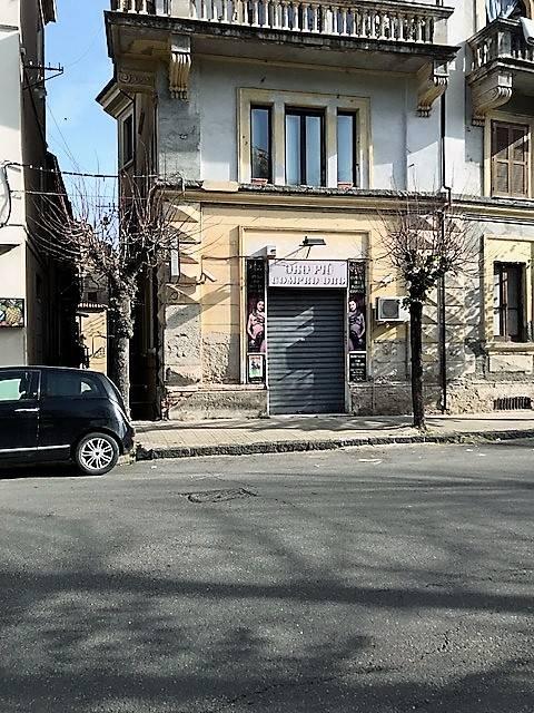 Attività / Licenza in vendita a Cosenza, 1 locali, zona Zona: Centro Storico, prezzo € 30.000   CambioCasa.it
