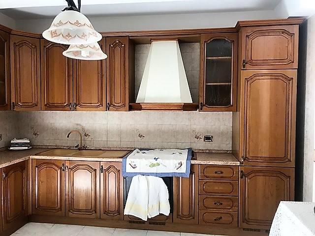 TIVOLILLE, MENDICINO, Appartamento in vendita di 130 Mq, Buone condizioni, Riscaldamento Autonomo, Classe energetica: G, posto al piano 1° su 3,
