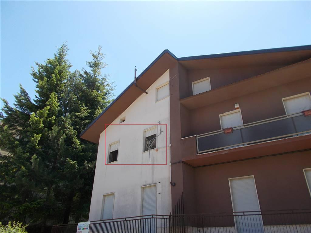 Appartamento in vendita a Spezzano della Sila, 3 locali, zona Zona: Camigliatello Silano, prezzo € 35.000 | CambioCasa.it