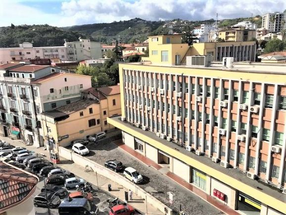 VIA ROMA, COSENZA, Apartment for rent of 180 Sq. mt., Habitable, Heating Individual heating system, Energetic class: G, placed at 5° on 6, composed