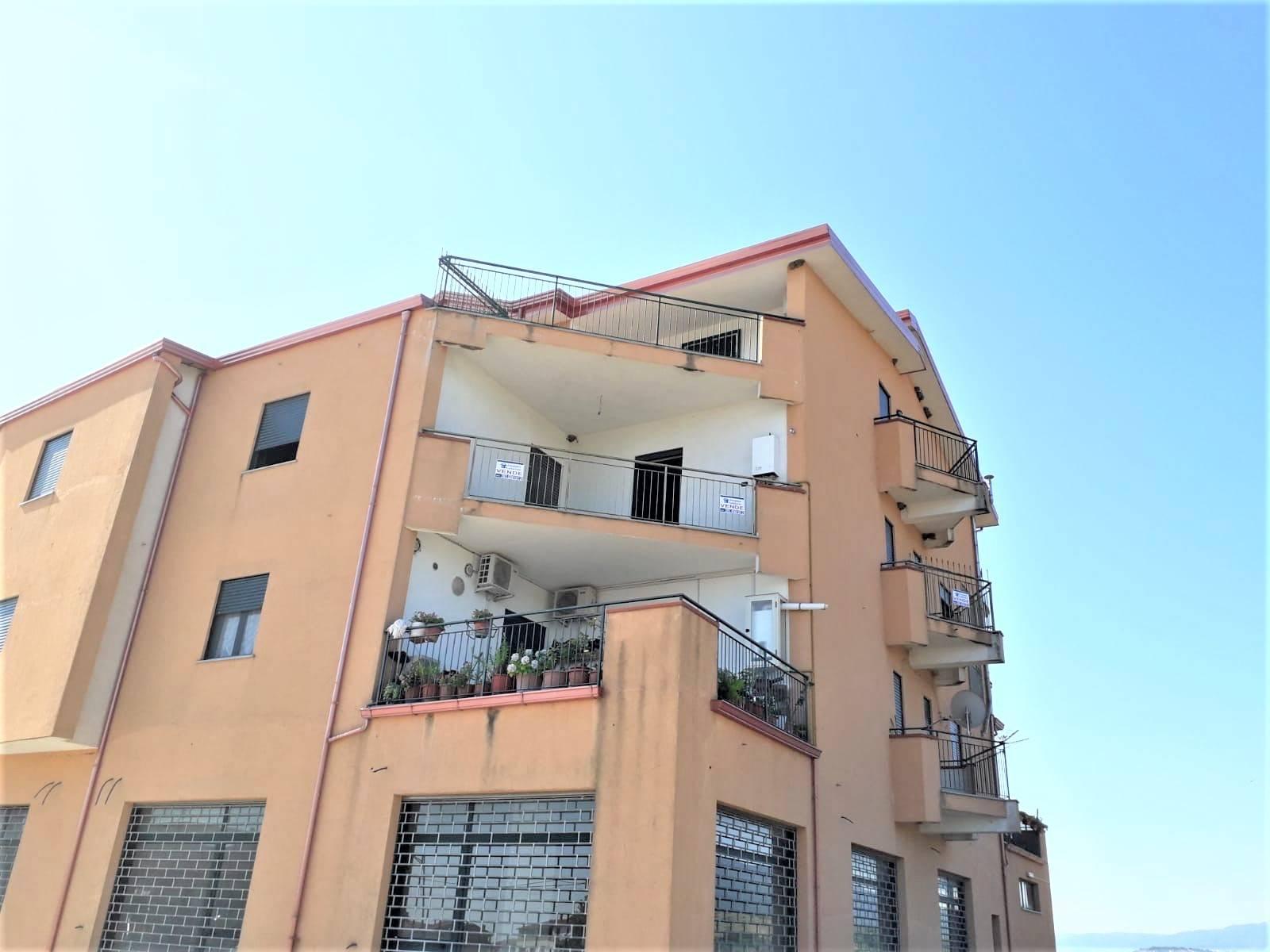 Appartamento in vendita a Torano Castello, 3 locali, zona Zona: Torano Scalo, prezzo € 60.000 | CambioCasa.it