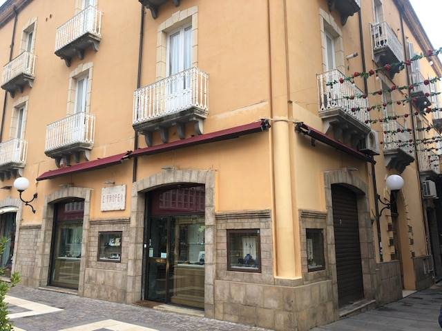 MAZZINI, COSENZA, Office for rent of 140 Sq. mt., Excellent Condition, Heating Individual heating system, Energetic class: G, placed at 1° on 4,