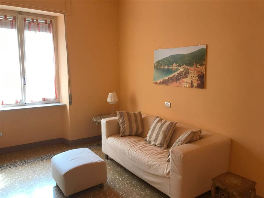 NOLI, Apartment for the vacation for rent of 80 Sq. mt., Good condition, Energetic class: G, placed at Ground, composed by: 4 Rooms, Little kitchen, ,