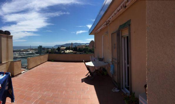 VALLORIA, SAVONA, Dachwohnung zu verkaufen von 70 Qm, Beste ausstattung, Energie-klasse: G, am boden 4° auf 4, zusammengestellt von: 4.5 Raume,