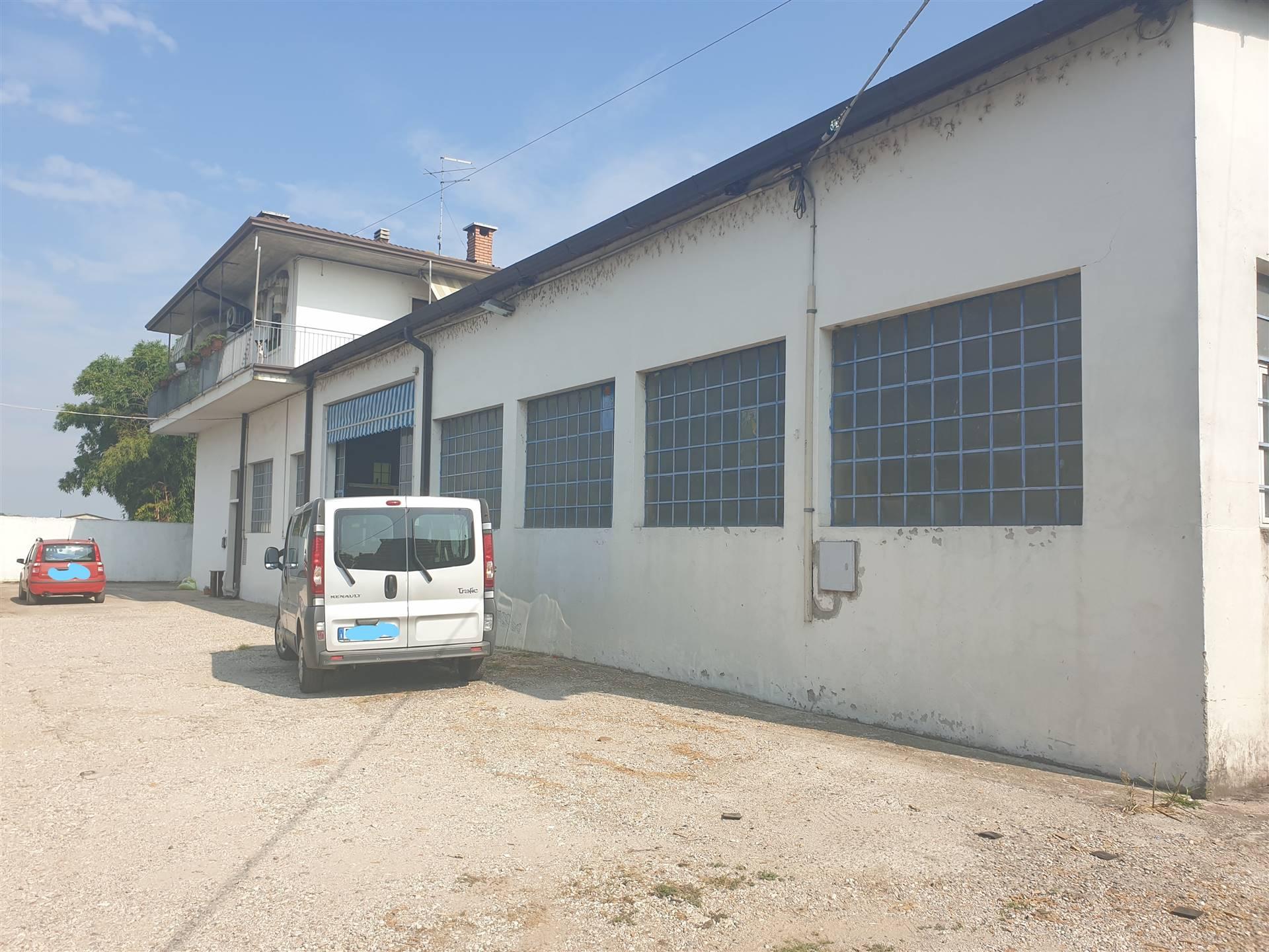 Laboratorio in affitto a Mozzecane, 9999 locali, zona Zona: San Zeno, prezzo € 1.000   CambioCasa.it