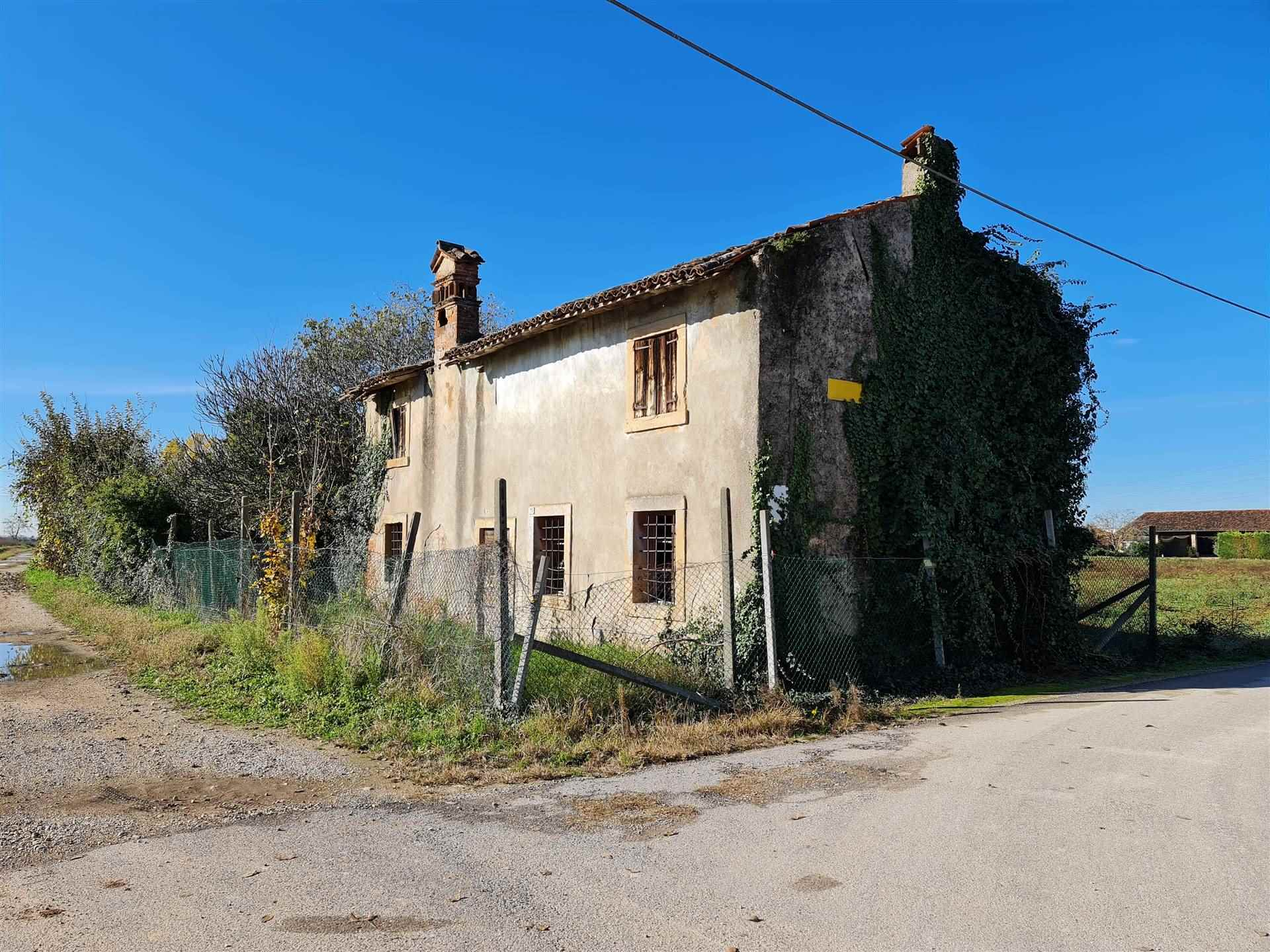 Rustico / Casale in vendita a Villafranca di Verona, 5 locali, prezzo € 220.000 | CambioCasa.it