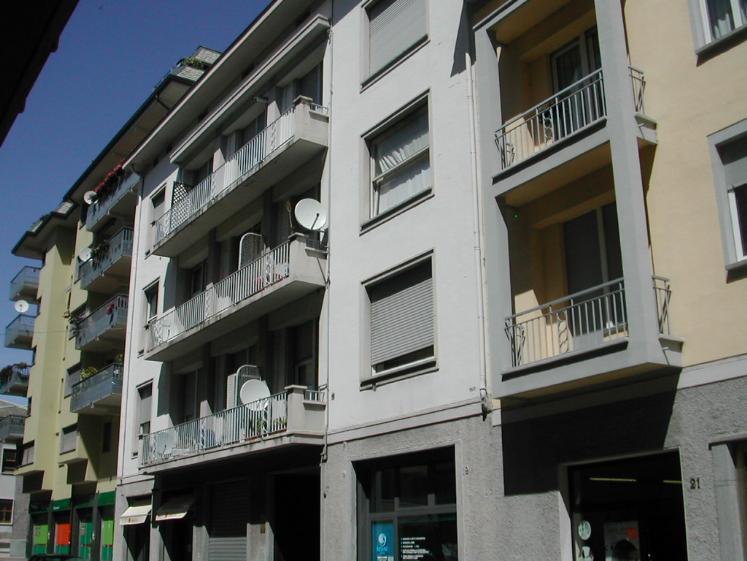 Negozio / Locale in vendita a Sondrio, 2 locali, zona Zona: Centro zona Garibaldi, prezzo € 195.000 | CambioCasa.it