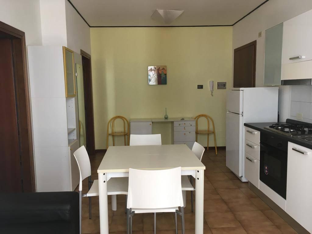 Appartamento in affitto a Sondrio, 2 locali, zona Località: CENTRO, prezzo € 350 | PortaleAgenzieImmobiliari.it