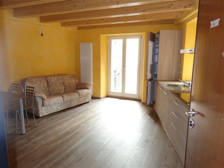Appartamento in affitto a Sondrio, 2 locali, zona ro storico, prezzo € 400 | PortaleAgenzieImmobiliari.it