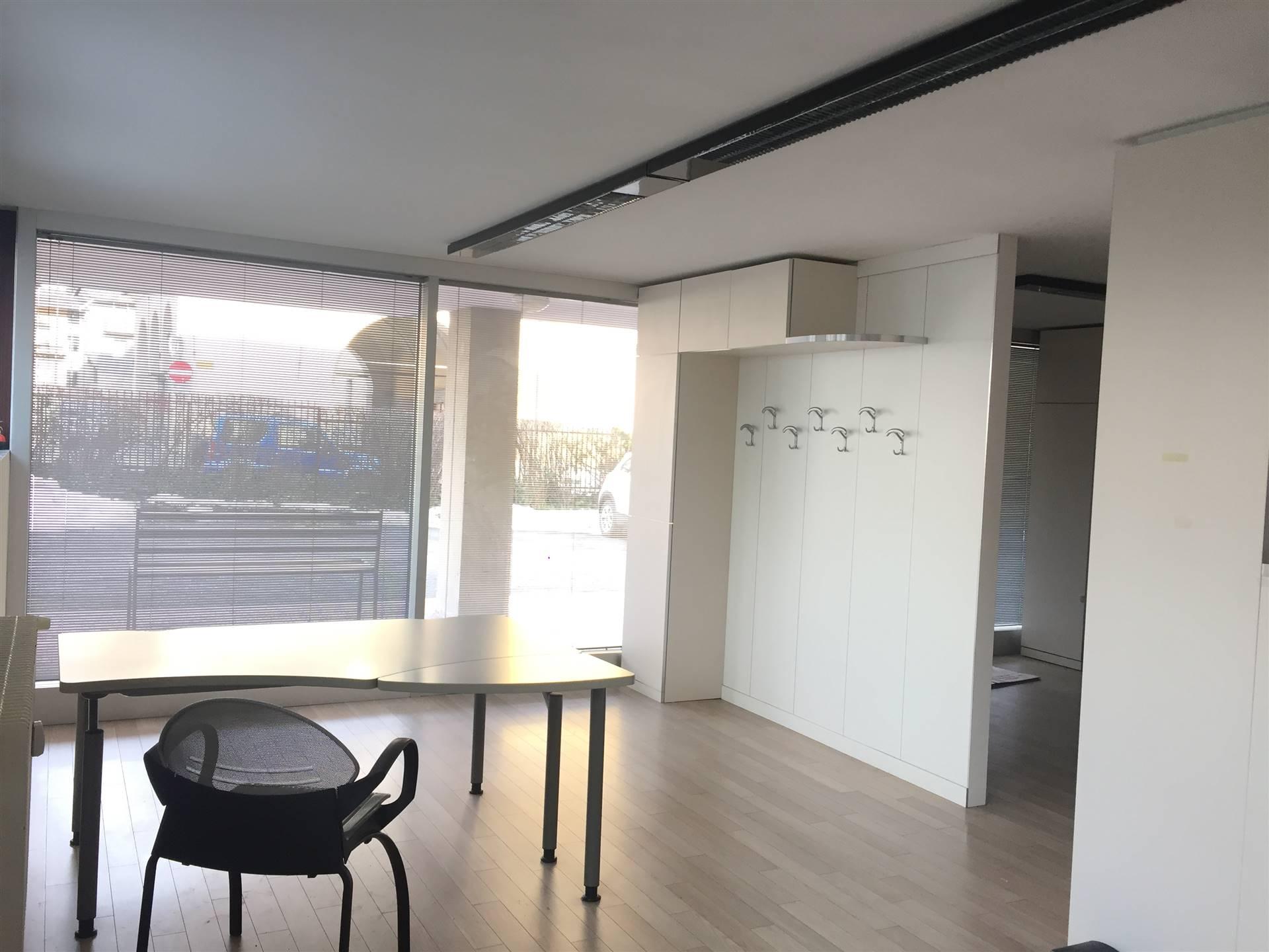 Ufficio / Studio in affitto a Sondrio, 3 locali, zona ro zona Ospedale, prezzo € 550 | PortaleAgenzieImmobiliari.it