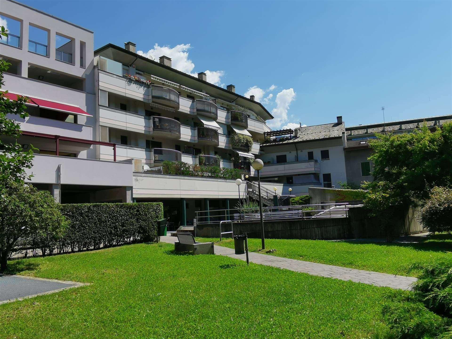 Ufficio / Studio in vendita a Sondrio, 6 locali, zona Località: CENTRALISSIMA, prezzo € 190.000 | PortaleAgenzieImmobiliari.it