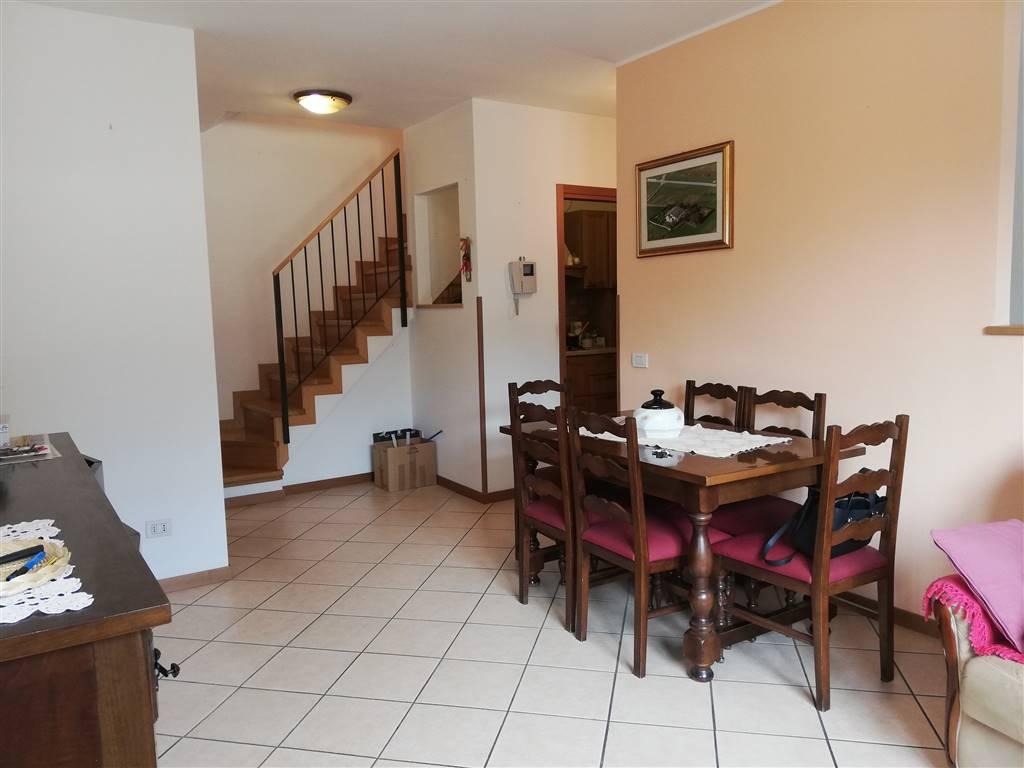 Appartamento in vendita a Sondrio, 6 locali, zona Località: PERIFERICA OVEST: STADIO SASSELLA, prezzo € 200.000   PortaleAgenzieImmobiliari.it