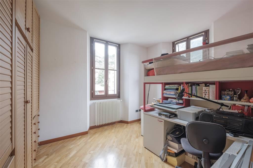 Appartamento in Viale Milano  13, Semic. Zona Viale Milano, Sondrio