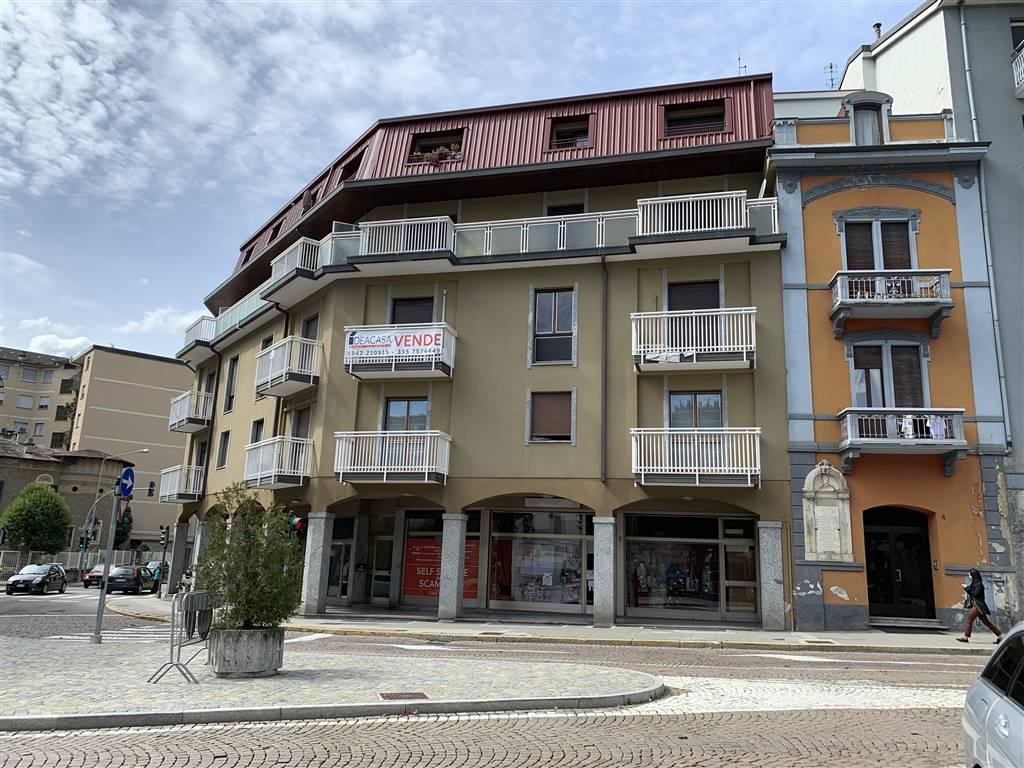 Appartamento in vendita a Sondrio, 7 locali, zona Località: CENTRO, prezzo € 167.000   PortaleAgenzieImmobiliari.it