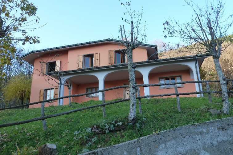 Villa in Via Bagucci, Rasora, Castiglione Dei Pepoli