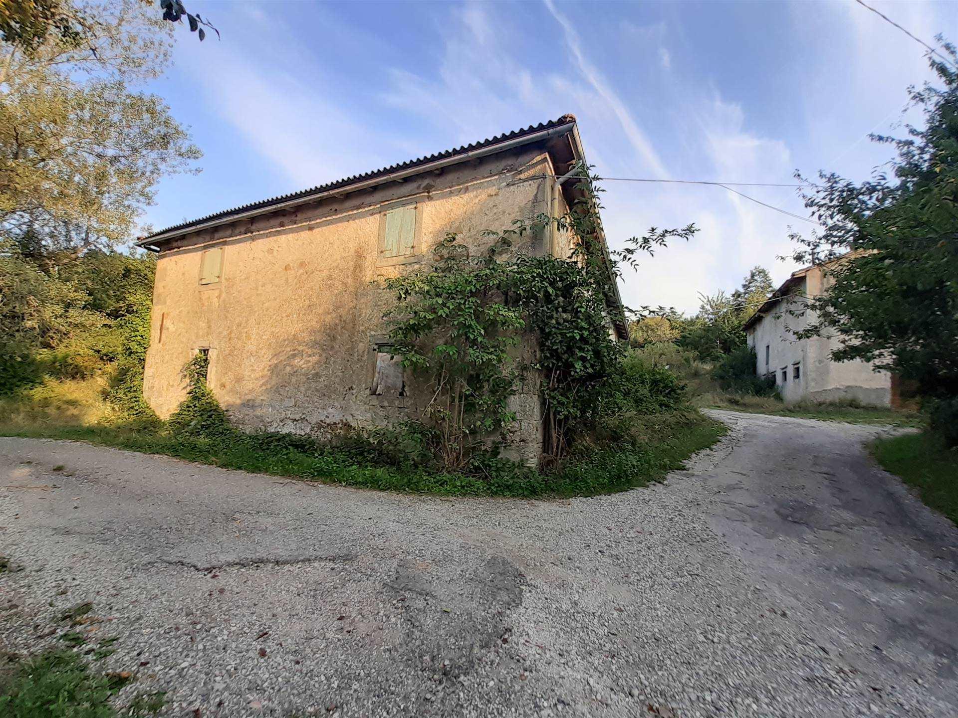 Azienda Agricola in vendita a Camugnano, 12 locali, zona Zona: Mogne, prezzo € 170.000   CambioCasa.it