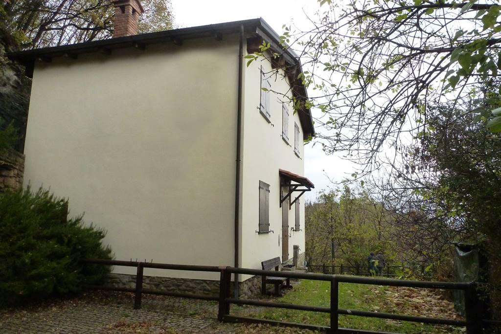 Villa in Via Casella 1, Labante, Castel D'aiano