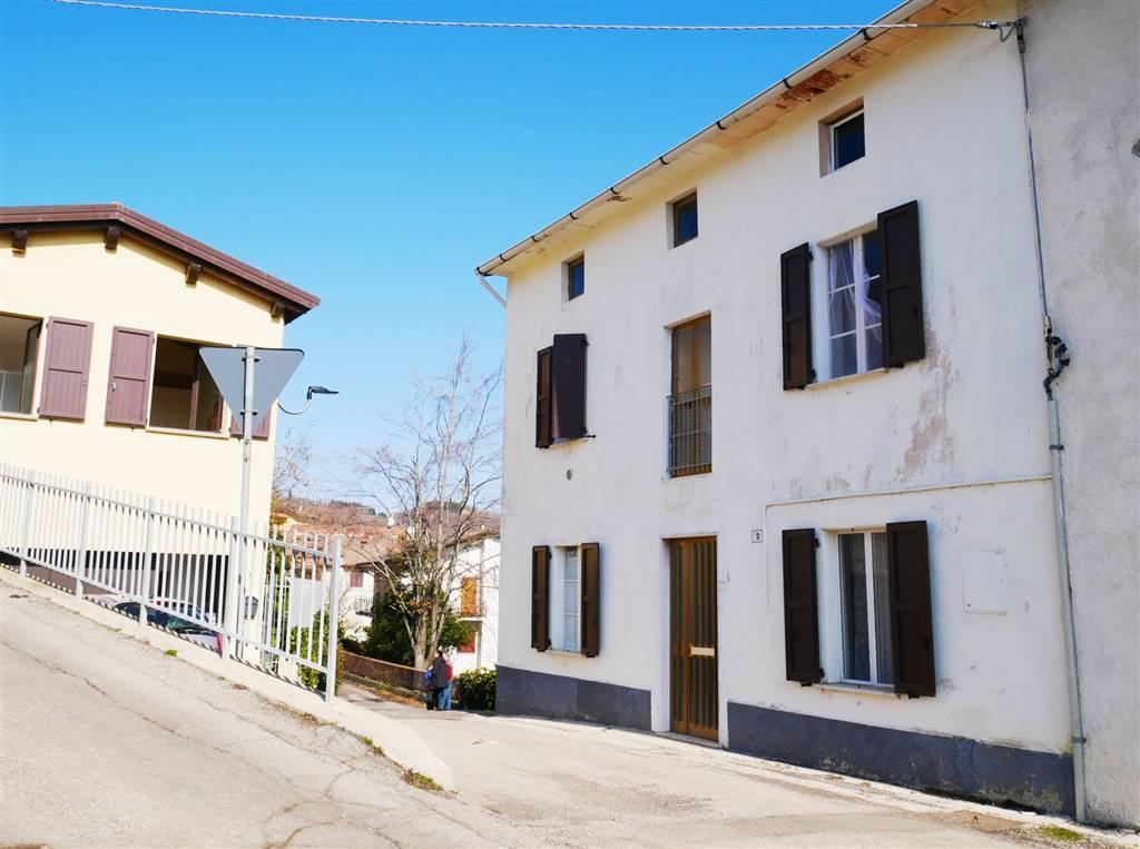 Appartamento in vendita a San Benedetto Val di Sambro, 6 locali, zona 'Andrea, prezzo € 85.000 | PortaleAgenzieImmobiliari.it