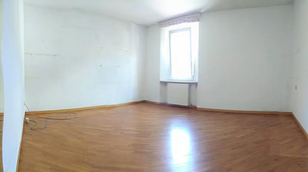 Appartamento in vendita a Introbio, 2 locali, prezzo € 65.000 | CambioCasa.it