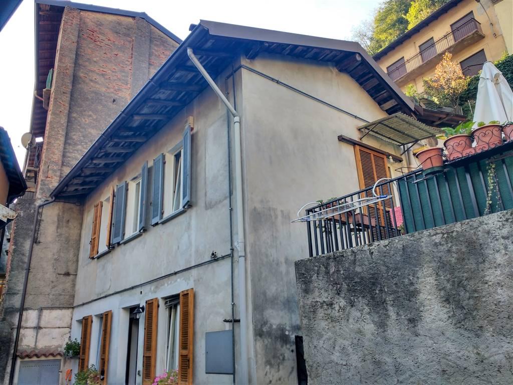 veduta esterno casa e terrazzo
