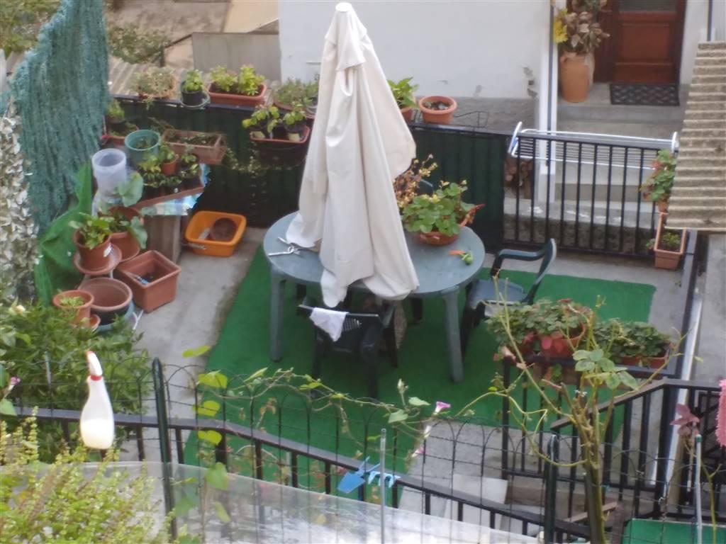 terrazzo privato con doppio accesso