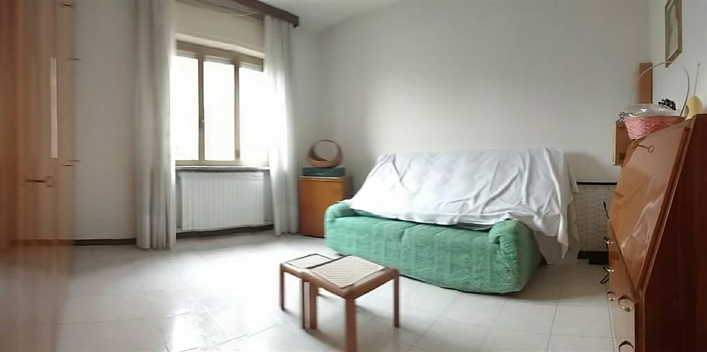 appartamento piano rialzato soggiorno / camera