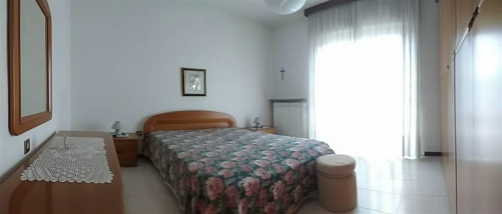 appartamento piano rialzato camera