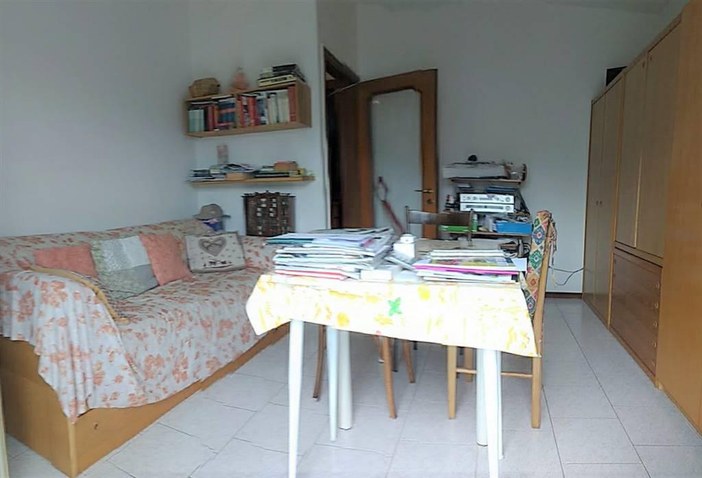 appartamento piano terra soggiorno / camera
