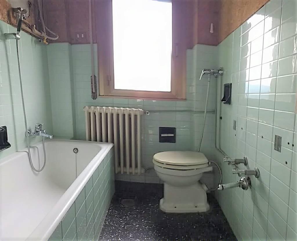 appartamento piano primo bagno