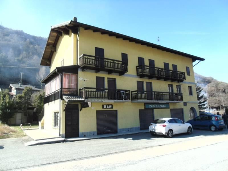 Albergo in vendita a Chatillon, 20 locali, zona Località: USSEL, prezzo € 490.000 | CambioCasa.it