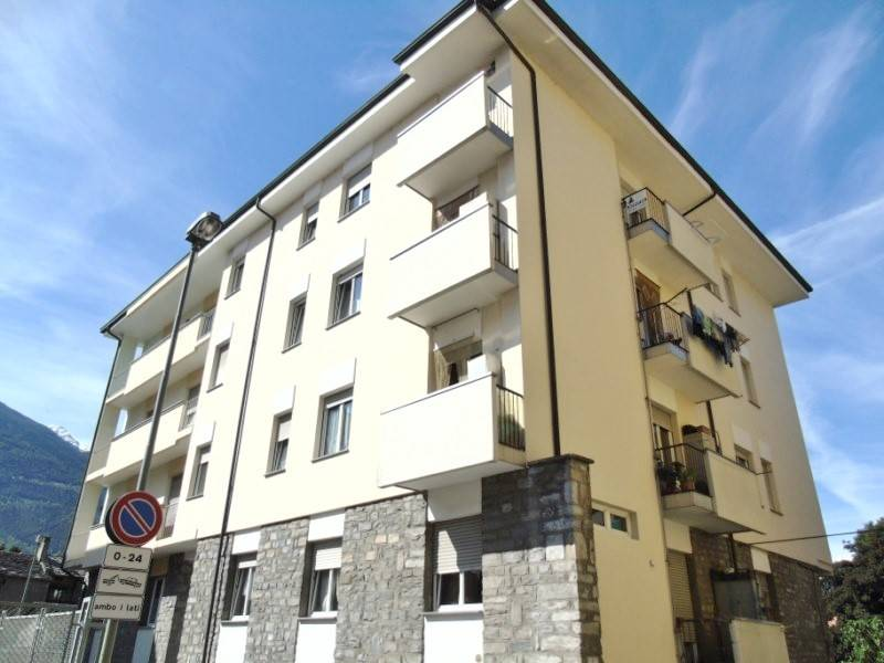 Appartamento in affitto a Aosta, 3 locali, zona Zona: Centro, prezzo € 560 | CambioCasa.it