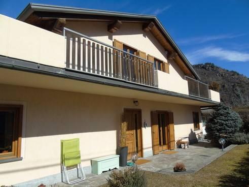 Villa in vendita a Quart, 6 locali, zona Zona: Villair, prezzo € 380.000 | CambioCasa.it