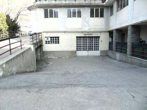 Magazzino in vendita a Aosta, 9999 locali, zona Zona: Semicentro, prezzo € 98.000 | CambioCasa.it