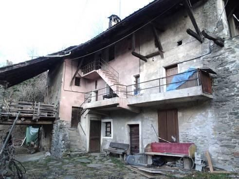Rustico / Casale in vendita a Saint-Marcel, 6 locali, prezzo € 198.000   CambioCasa.it