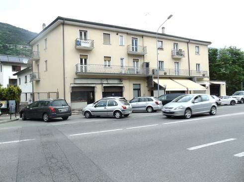 Negozio / Locale in vendita a Aosta, 2 locali, zona Zona: Centro, prezzo € 130.000 | CambioCasa.it