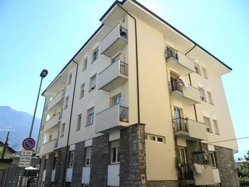 Appartamento in affitto a Aosta, 3 locali, zona Zona: Centro, prezzo € 500 | CambioCasa.it