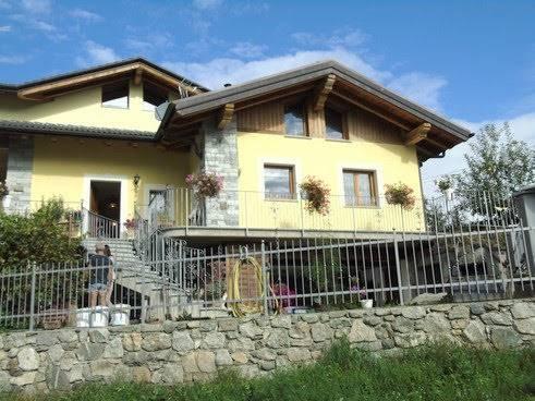 Villa in vendita a Gignod, 6 locali, zona Località: ARLIOD, prezzo € 370.000 | CambioCasa.it