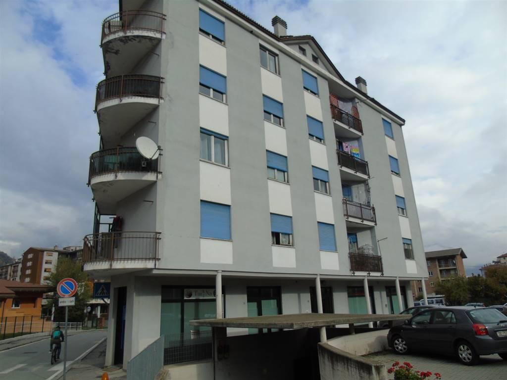 Appartamento in affitto a Aosta, 3 locali, zona Zona: Centro, prezzo € 520 | CambioCasa.it