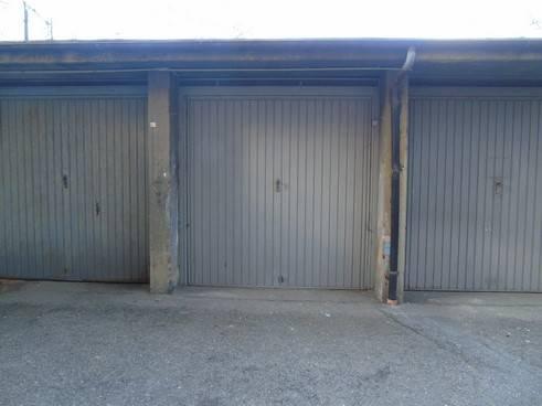 Garage / Posto auto in Corso Ivrea, Centro, Aosta