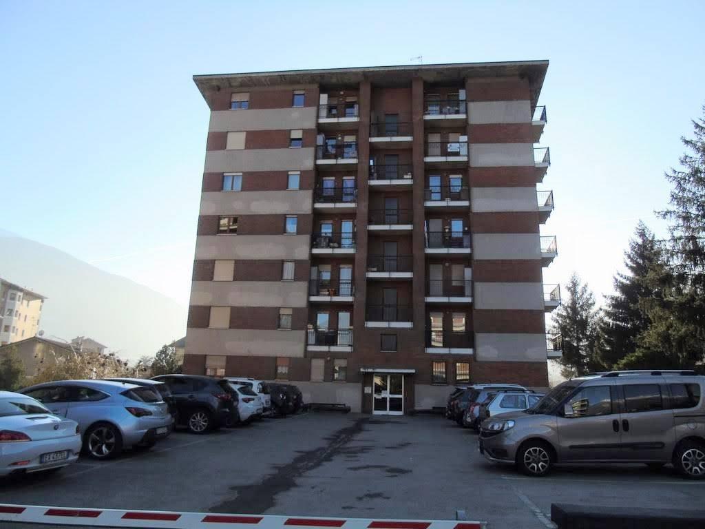 Bilocale in Via Fiollet, Centro, Aosta