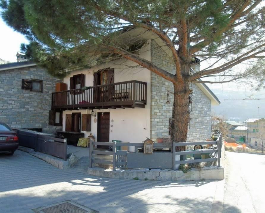 Villa a Schiera in vendita a Quart, 6 locali, zona Località: CARNÈ, prezzo € 250.000 | CambioCasa.it