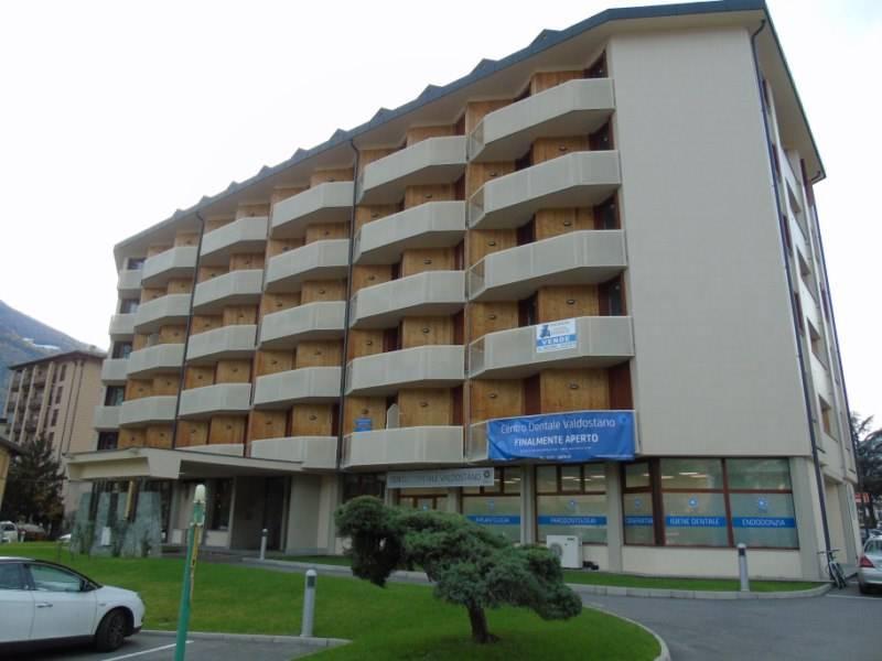 Appartamento in affitto a Aosta, 2 locali, zona Zona: Centro, prezzo € 490   CambioCasa.it